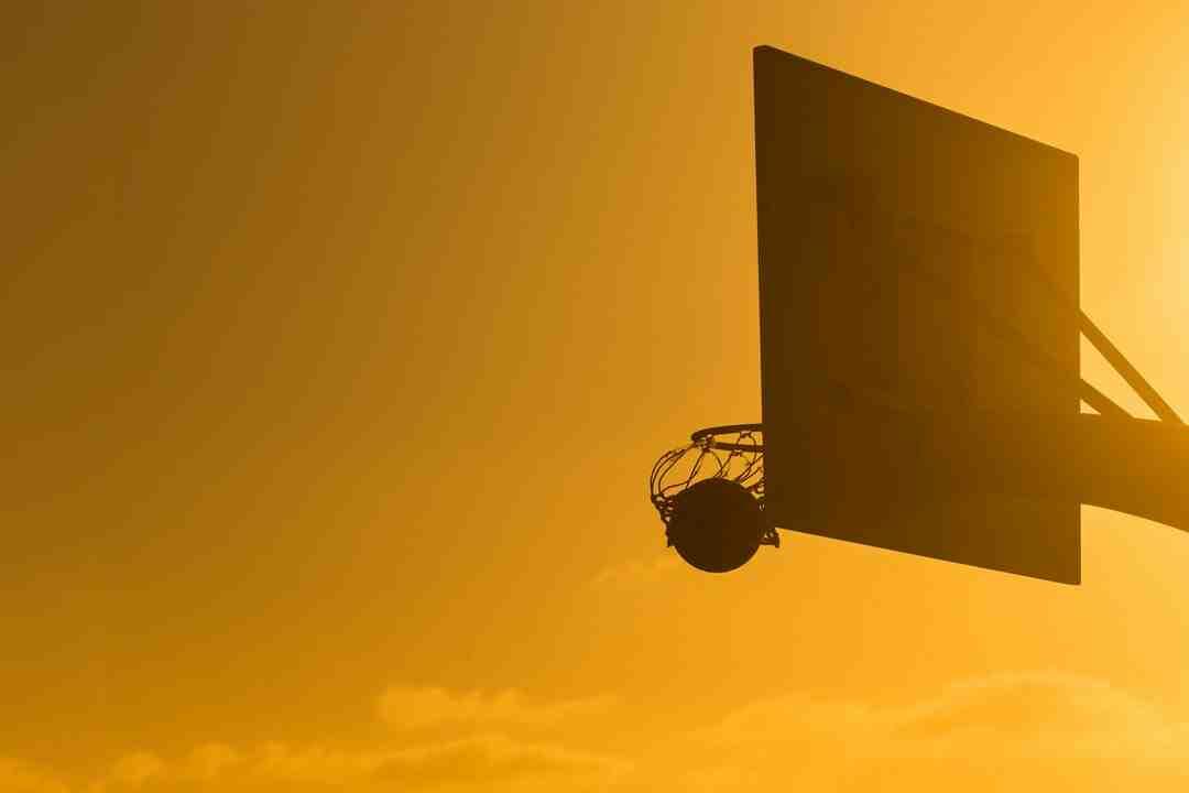 Comment être meneur au basket ball