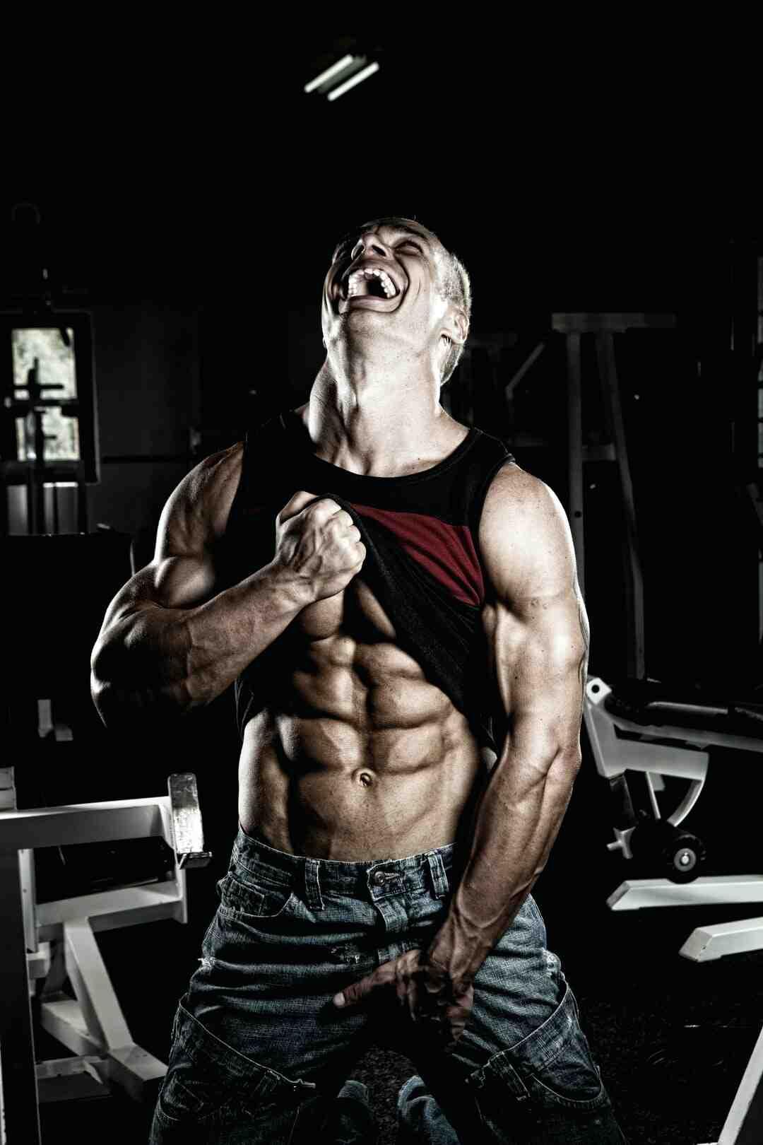 Comment travailler les muscles abdominaux debout